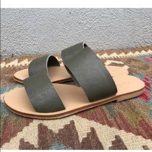 ST.AGNI sandals